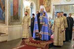Митрополит Корнилий совершил всенощное бдение в канун праздника Рождества Пресвятой Богородицы