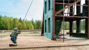 В Архангельске пятеро росгвардейцев сдали экзамен на право ношения крапового берета