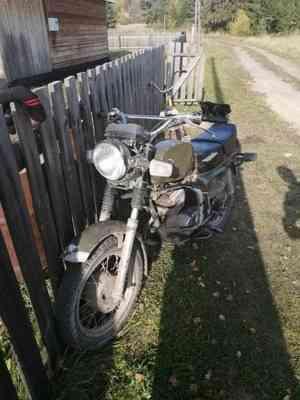 В Вельском районе двое мужчин на мотоцикле угодили в кювет