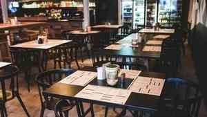 С 2021 года в России ресторанам будет запрещено включать чаевые в чек