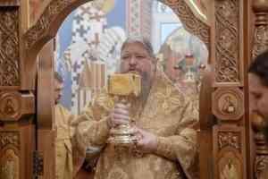 Митрополит Корнилий совершил Литургию в храме на архиерейском подворье