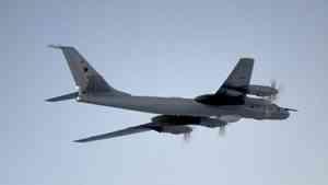Два противолодочных самолетов Ту-142 Северного флота 12 часов летали над Арктикой