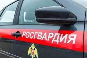 Благодаря сотрудникам Росгвардии в городе Мирном Архангельской области удалось предотвратить пожар на объекте торговли