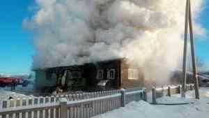 Старинный дом сгорел по вине пьяного главы семейства в Пинежском районе