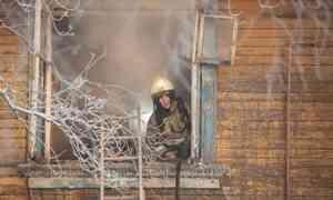 Пожар вмороз— это катастрофа. Жители архангельской «деревяшки» пострадали отогня иводы