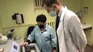 Руководитель минздрава оценил работу современного оборудования в архангельском онкодиспансере