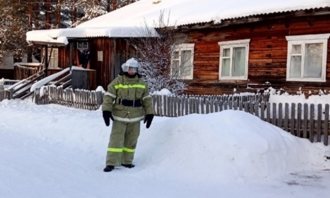 ВЛенском районе пожарный доброволец спас отпожара четырёхквартирный дом