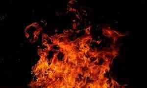ВМирном из-за пожара эвакуировали подъезд пятиэтажки. Два человека погибли