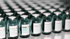 Около 300 человек в Поморье ежедневно проходят вакцинацию от коронавируса