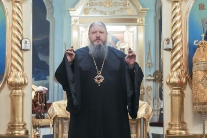 Митрополит Корнилий 28 февраля совершил вечернее богослужение с акафистом Господу Иисусу Христу
