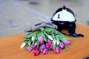 В Международный женский день МЧС России поздравляет всех девушек и женщин и рассказывает о своих прекрасных сотрудницах