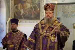 Митрополит Корнилий совершил полиелейное богослужение в канун праздника обретения главы Иоанна Предтечи