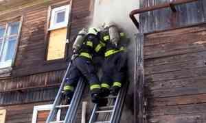 Пожар на улице Гагарина в Архангельске сегодня унёс жизнь 80-летней женщины