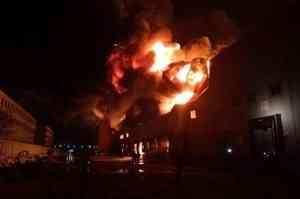 Курьер вынес человека из пожара в Архангельской области