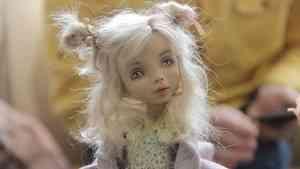 Кильки-морячки, тролли и феи: в Архангельске открылась международная Арктическая выставка авторской куклы
