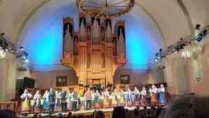 В Поморской филармонии прошёл концерт Архангельского ансамбля народной песни и танца «Дивованье»