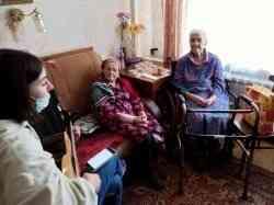 Ветераны Великой Отечественной, бывшие работники САФУ принимали поздравления сДнем Победы