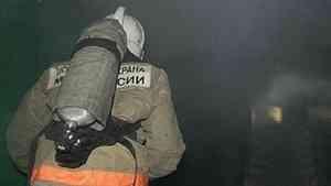 В Котласе сгорел деревянный дом — в пожаре погибла пенсионерка