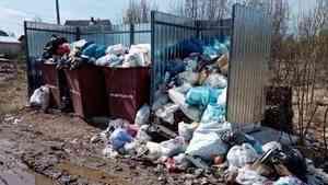 В Котласе смена подрядчика по вывозу ТКО обернулась мусорным коллапсом