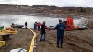 На границе НАО и Коми произошла утечка нефтепродуктов