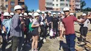 Будущие инженеры побывали на стройплощадке Группы «Аквилон» в Архангельске