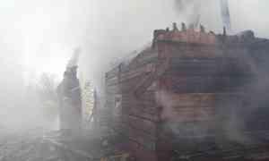 ВХолмогорском районе добровольцы спасли дом отпожара