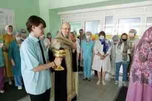 В архангельской поликлинике № 2 почтили память святителя Луки (Войно-Ясенецкого)