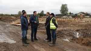 Строительство комплекса очистных сооружений в поселке Октябрьский Устьянского района идет по графику