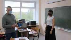 Детсад строят, школу отремонтировали: образовательную инфраструктуру Черевково оценил министр Олег Русинов