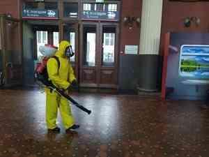 Специалисты Центра «Лидер» МЧС России провели дезинфекцию Киевского вокзала