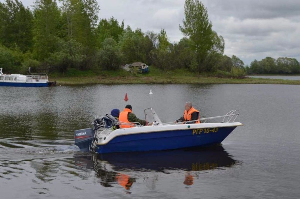 В Поморье рыбакам запрещено спускать маломерные суда на реку до весны