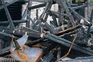 В Каргопольском районе три семьи остались без жилья из-за сильного пожара