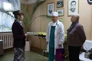 «Скинулись всем миром». Жители Мезени покупают в больницу медоборудование