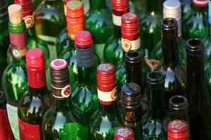 Полиция арестовала 320 литров контрафактного алкоголя в Холмогорском районе