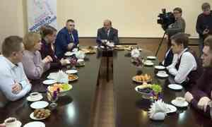 Сучастниками команды КВН «Сборная Арктики» встретился сегодня губернатор