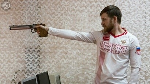 Леонид Екимов завоевал золото в скоростной стрельбе из пистолета на чемпионате России