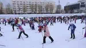 """На """"Лыжню России"""" в Архангельске вышли пять тысяч человек"""