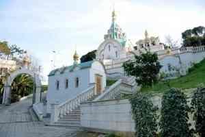 Митрополит Даниил сослужил Литургию в русском храме великомученицы Екатерины в Риме