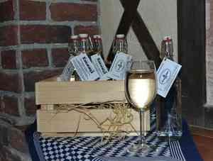 «БрауМастер» представил воду «Кнежица» в оригинальной бутылке