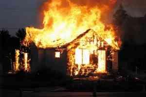 Десять человек остались без крыши над головой из-за пожара в Двинском Березнике