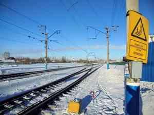 В Вельском районе на железнодорожном переезде столкнись поезд и машина