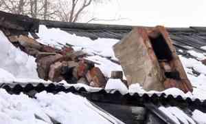 ВКотласе очередное обрушение кровли из-за снега