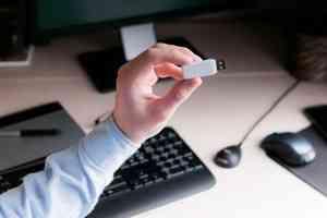 Сертификат электронной подписи можно получить с помощью визита к нотариусу