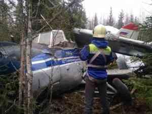 Пассажиры потерпевшего аварию Ан-2 не смогли улететь домой в Мезенский район