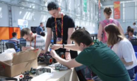 Студенты САФУ доказали свои знания вробототехнике на«Кубке РТК» вСочи