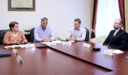 САФУ подписал соглашение осотрудничестве сдистрибьютором Komatsu «Форест Центр»