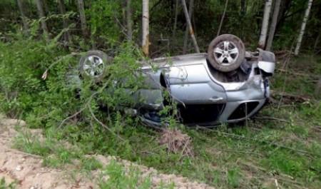 В Красноборском районе водитель иномарки погиб в результате опрокидывания в кювет