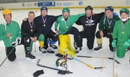 При поддержке Максима Анциферова «Джаз» стал победителем турнира болельщиков команды «Водник»