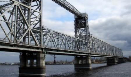 Падение плиты жд-моста в Архангельске подтвердило необходимость ремонта сооружения