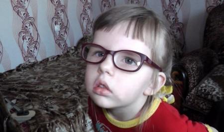 Помощь телезрителей дала шанс навыздоровление маленькой жительнице Вельска— Тане Никулиной